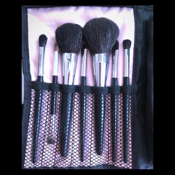 Mary Kay 7 Piece Brush Set